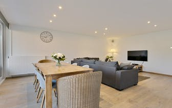 Aangenaam en instapklaar appartement met 2 slaapkamers op de grens van De Pinte en Sint-Martens-Late...