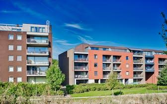 Recent 2 slaapkamer appartement in centrum van Aalter met prachtig zicht op wandelpark. Vlotte verbi...
