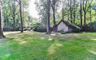 Dit prachtige perceel is gelegen in het bos van het Loveld te Aalter met een vlotte verbinding naar...